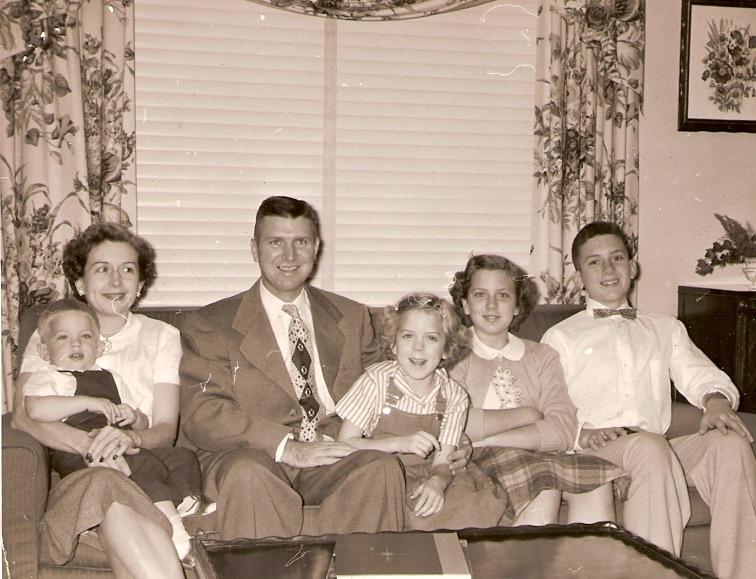 FR19 1951c Branch Fields family (2)