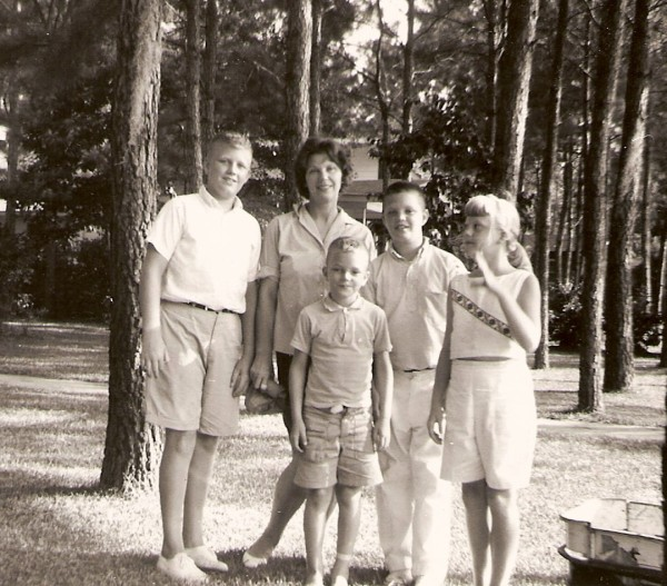 FR29 1962c Florence Ward & children (2)