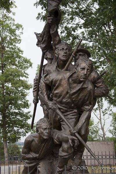 Geyyusburg monument