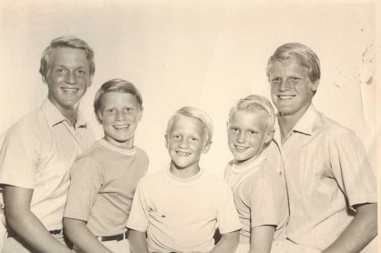 JR19 1970 Sandy & brothers